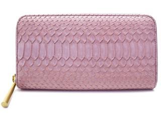 ヘビ革のかわいいピンクのデザインの財布