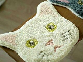 猫の顔マット 白