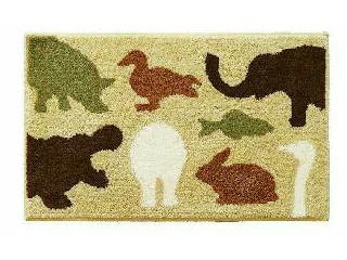 たくさんのかわいい動物が描かれたマット ブラウン